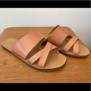 Nude/Tan leather sandals